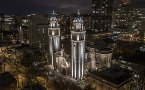Mondo Arc Features Lumenpulse's St. James Cathedral Installation