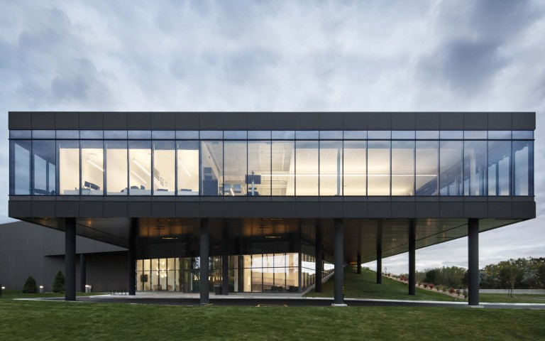 Lumenpulse Headquarters Wins an Architizer A+Award