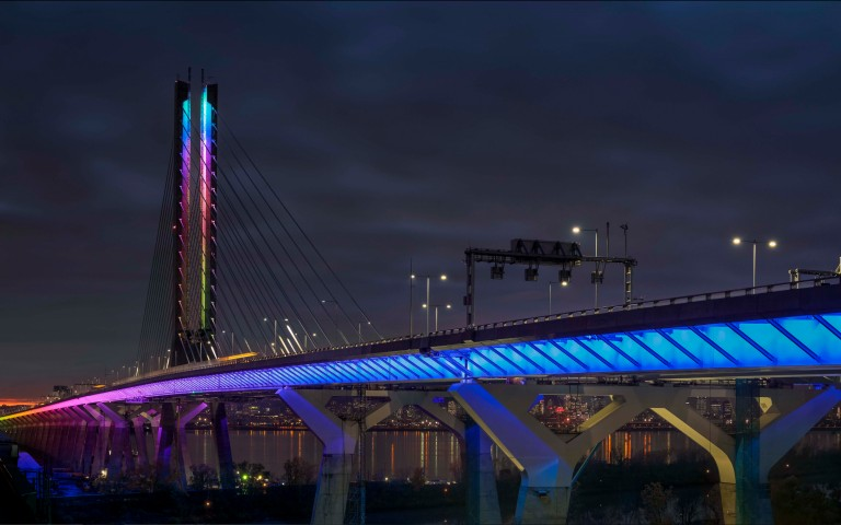The Samuel De Champlain Bridge Takes on the Colours of the Rainbow