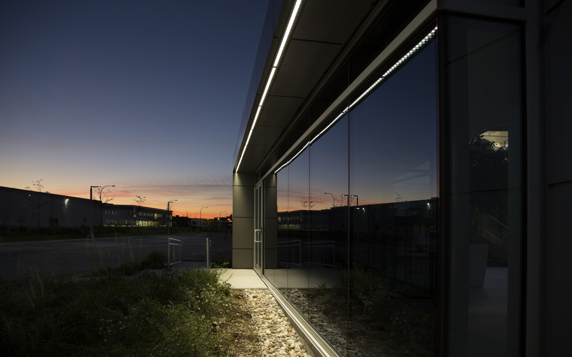 Exterior lighting was provided by energy efficient ASHRAE versions of Lumenfacade fixtures.