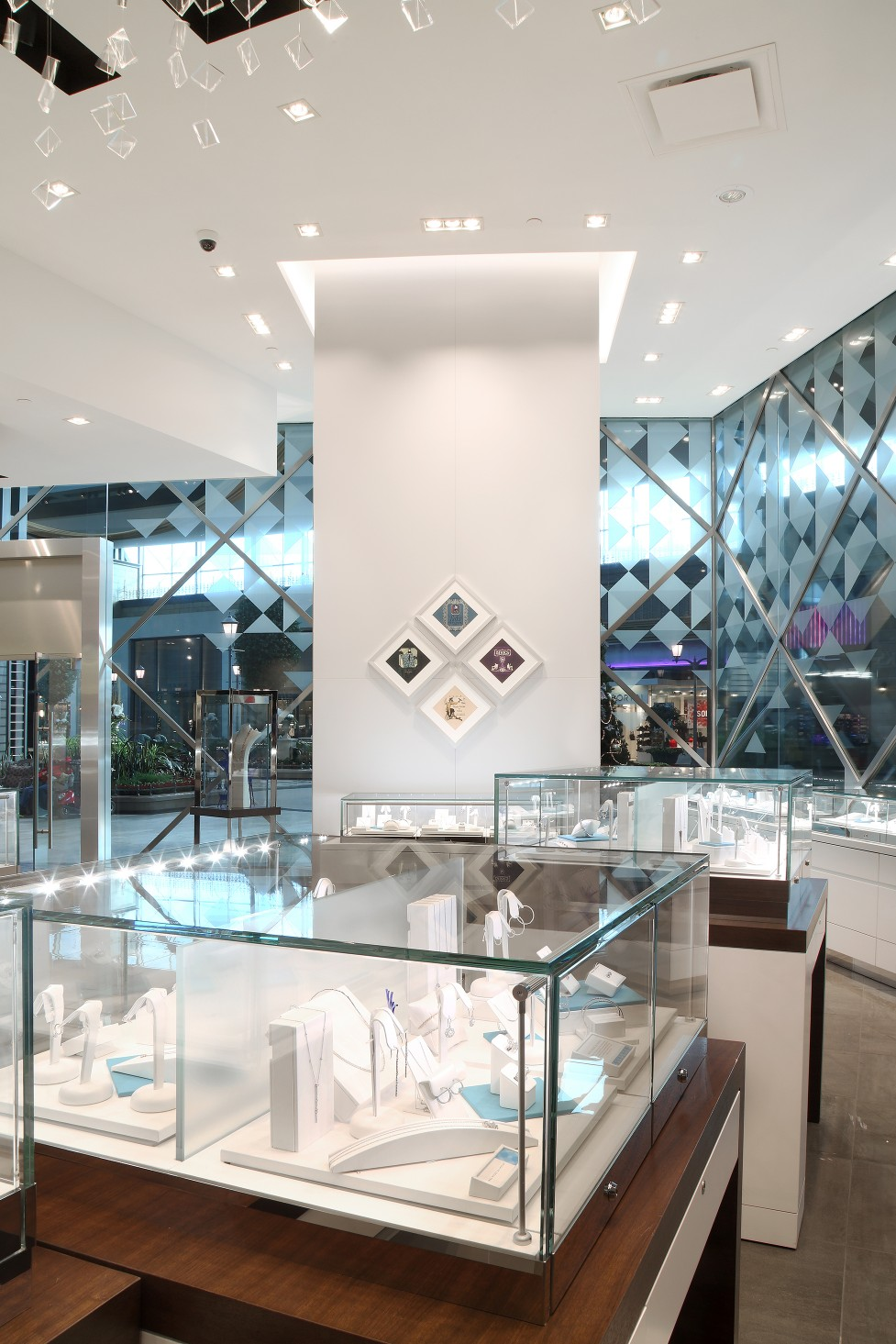 Birks turned to design and architect firm Ædifica, who chose a mix of downlights in 3000K and 3500K.
