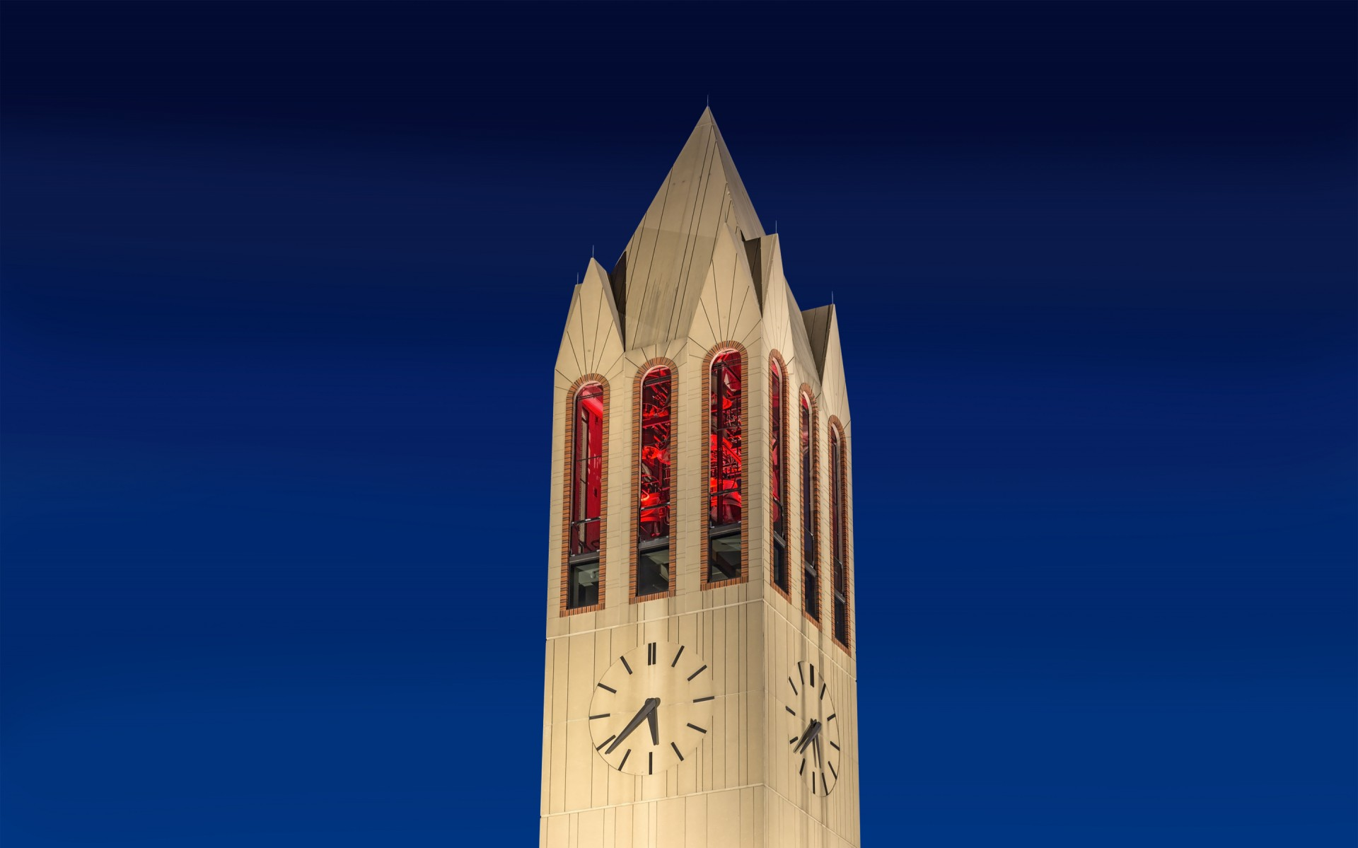 The Henningson Memorial Campanile has been an iconic centerpiece of the University of Nebraska Omaha (UNO) campus since 1989.
