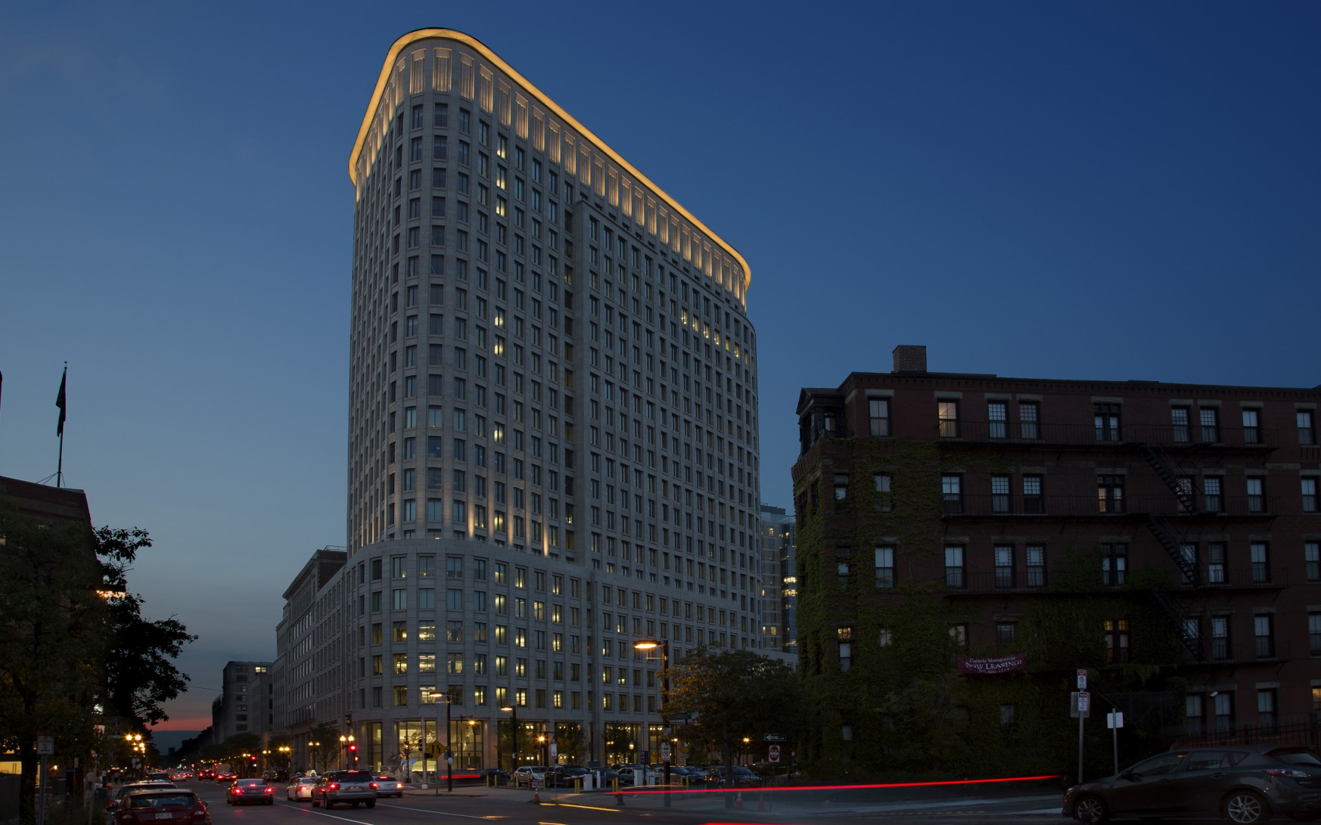 Lighting designers Lam Partners used light to accentuate Boston's new Liberty Mutual building