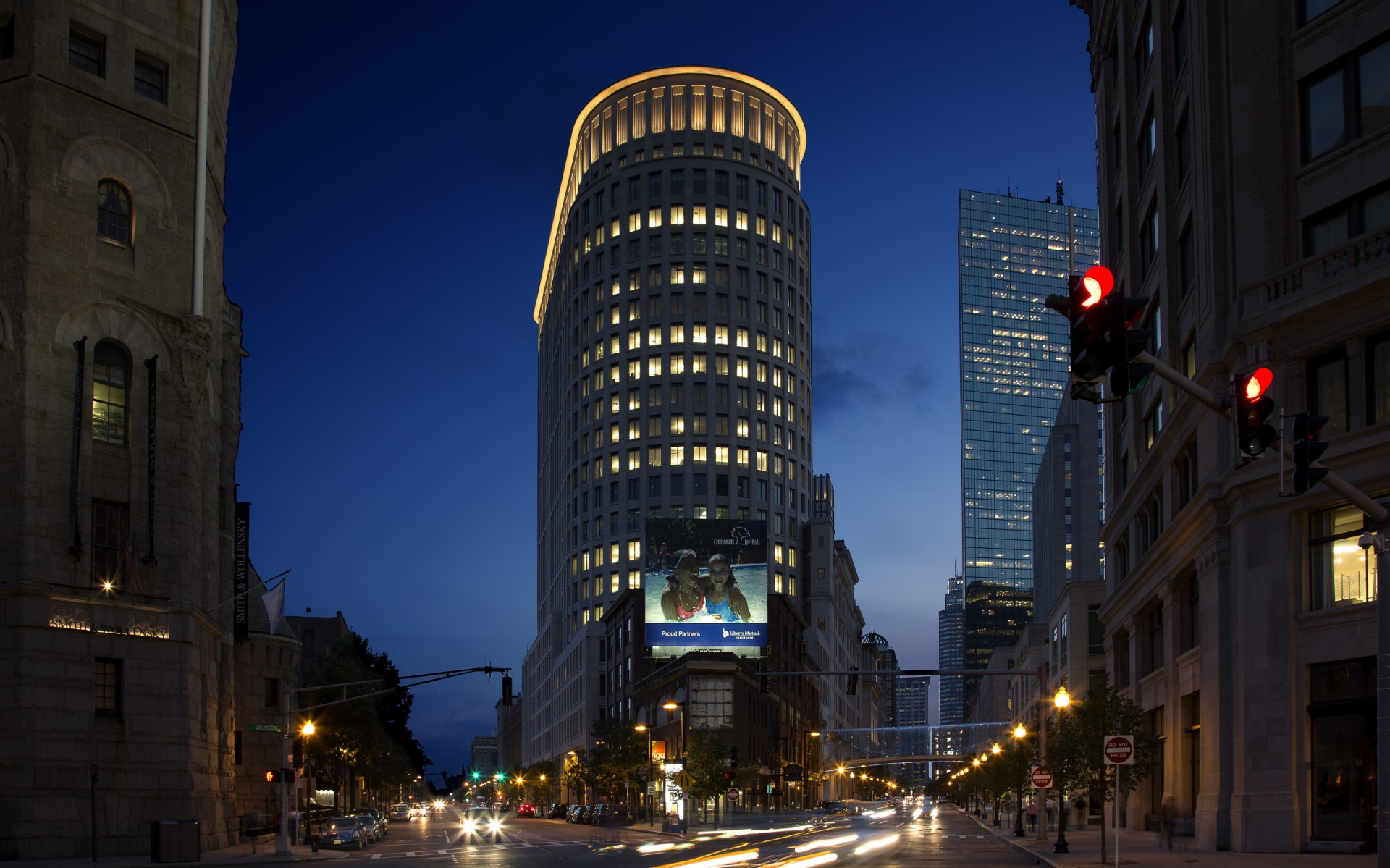 The designers used Lumenfacade luminaires to light the top of the tower
