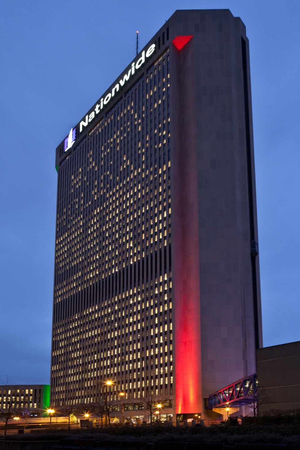 One Nationwide Plaza had previously been lit with 1000w metal halide lamps that required colored gels.