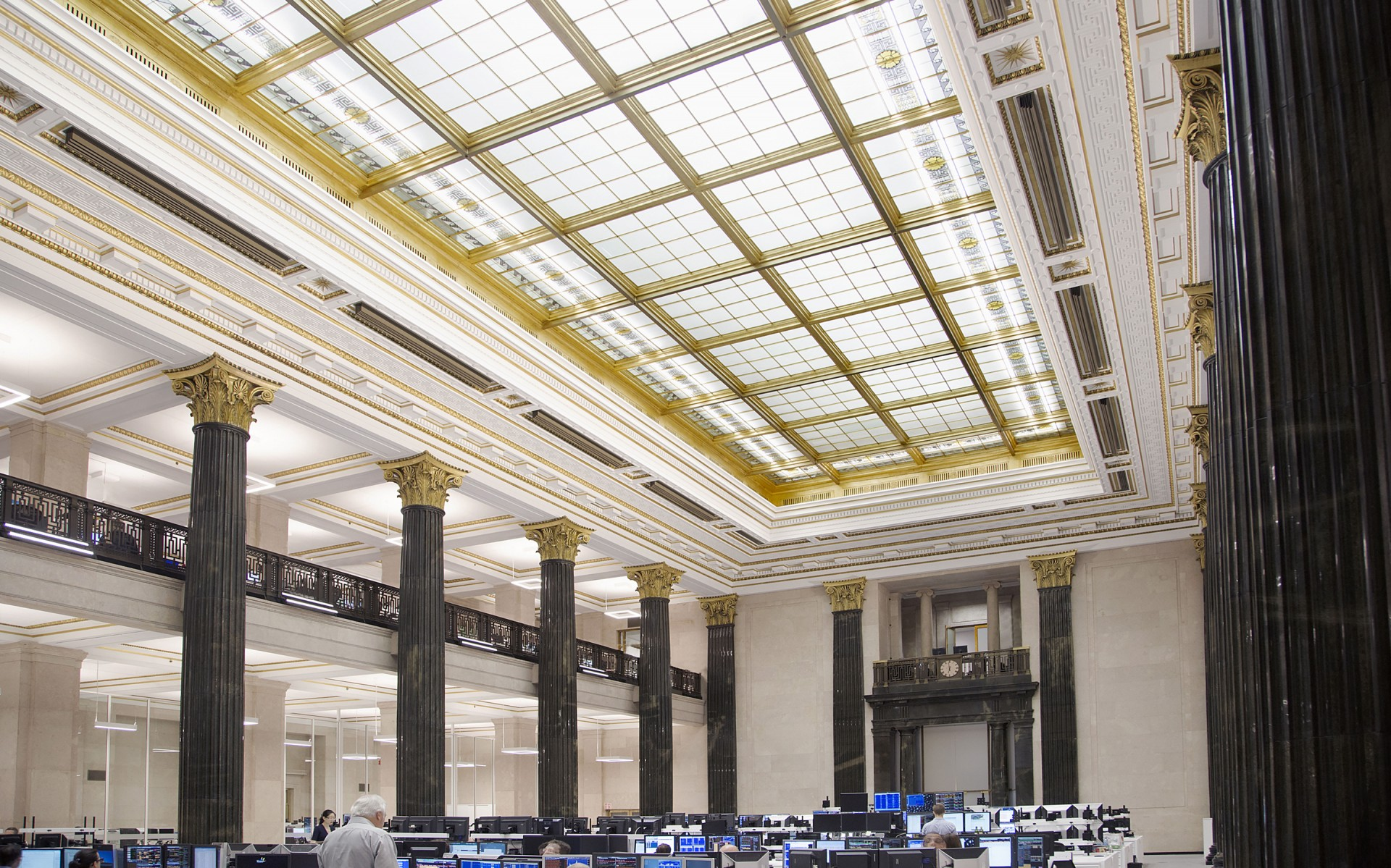 Lumenline luminaires, hidden in the glass around the artificial skylight, light the ceiling and provided general lighting for the entire hall.  – Sébastien Racicot