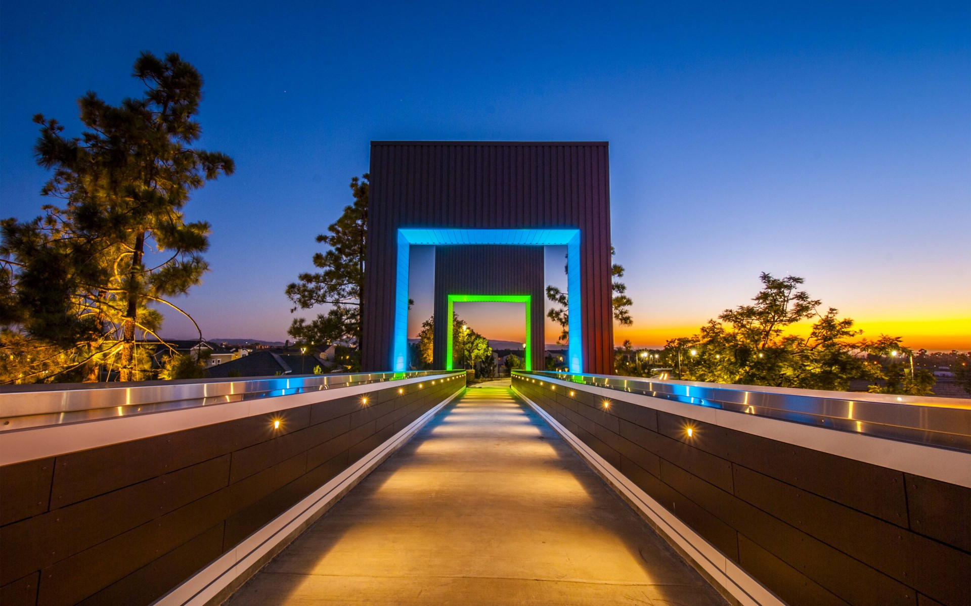 The lighting design strategically placed Lumenpulse Lumenfacade luminaires to illuminate the grand vertical gateways. – Brad Nelson