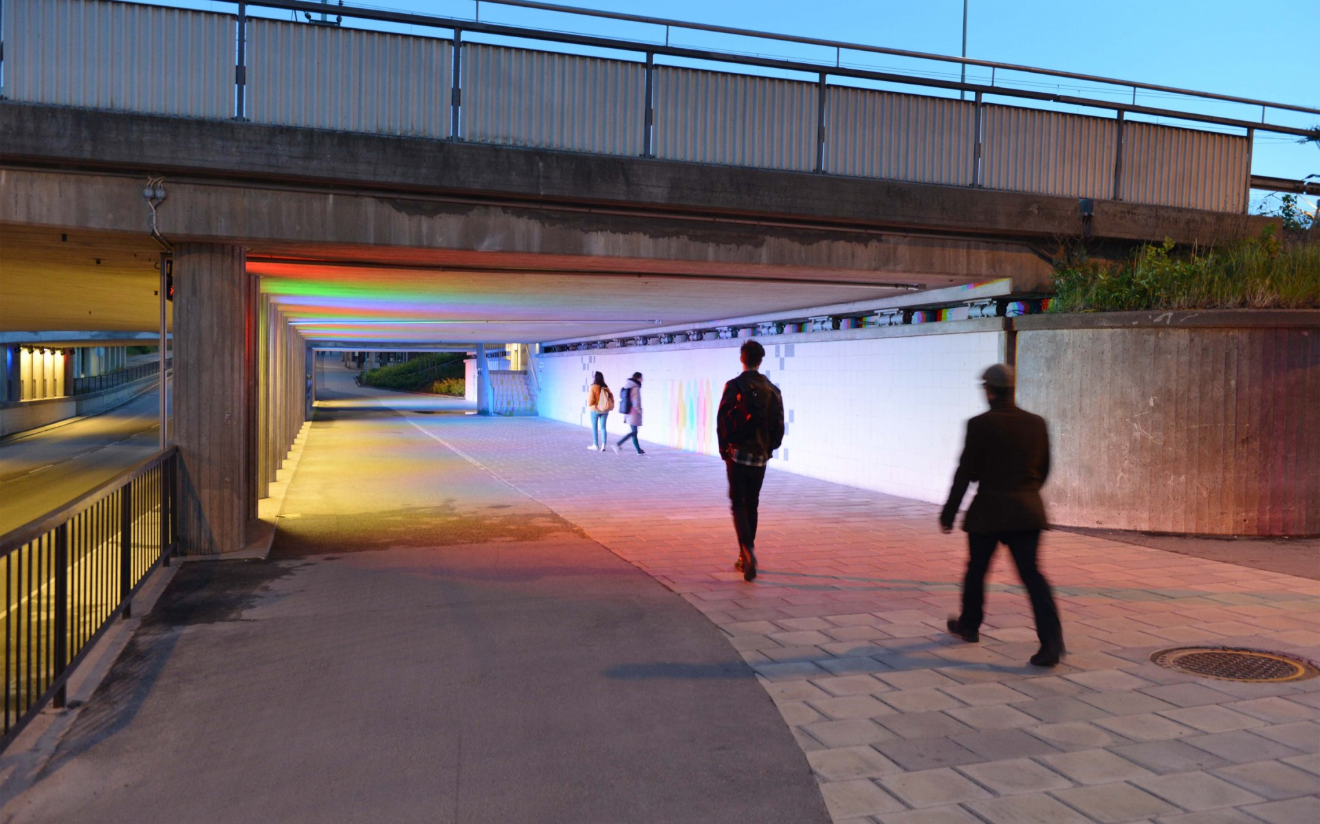 Single color Lumenpulse Lumenbeam Large luminaires, in red, green and blue, have been placed evenly between the tunnel's pillars. – Tobias Olsson, ÅF Lighting