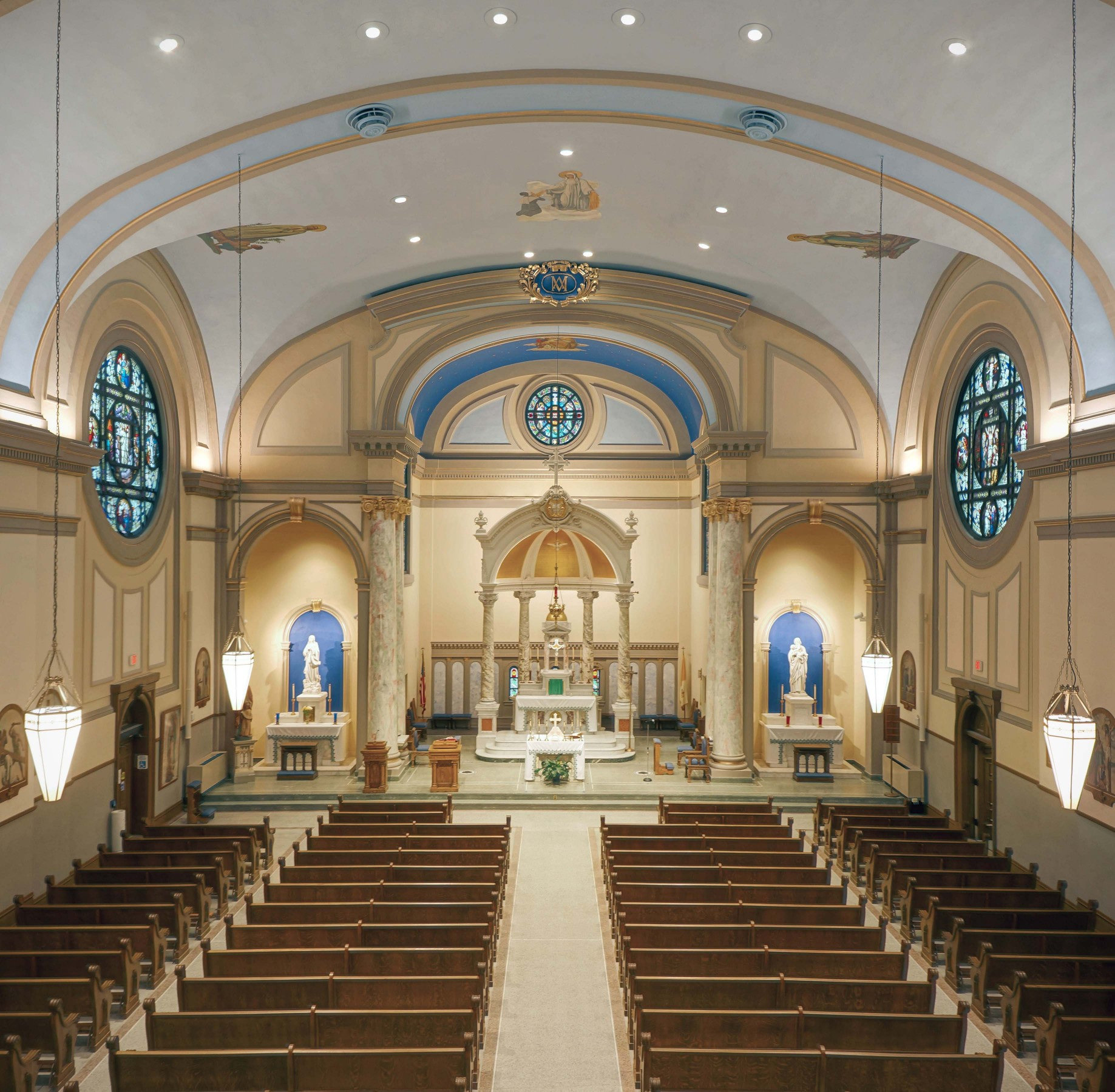 Lumenpulse's Lumentalk control technology provides a refreshing lighting scheme worthy of this holy place, all the while protecting its architectural significance and structural integrity thanks to no additional controls wiring.  – Brian Gunning