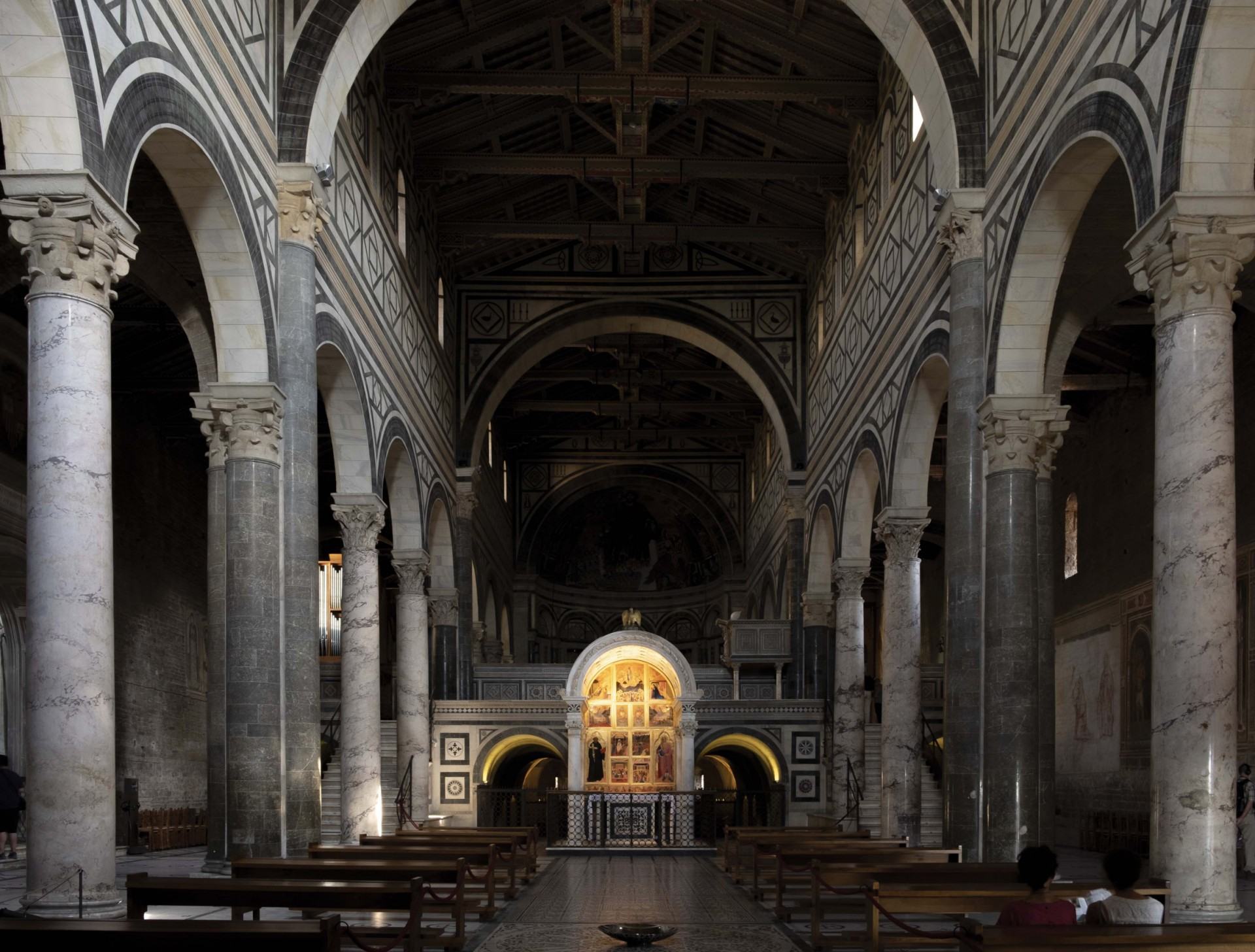 The architectural elements throughout the basilica are tactfully lit in order to allow the contrast between bright daylight and the shadows to effortlessly guide the eyes of visitors towards the presbytery. – Matteo Bencini - Matteo Trentanove